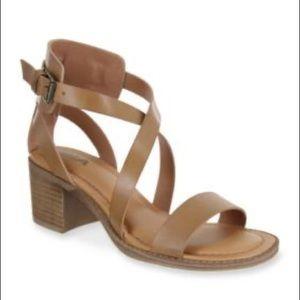 "Mia ""Laney"" Sandals NIB"